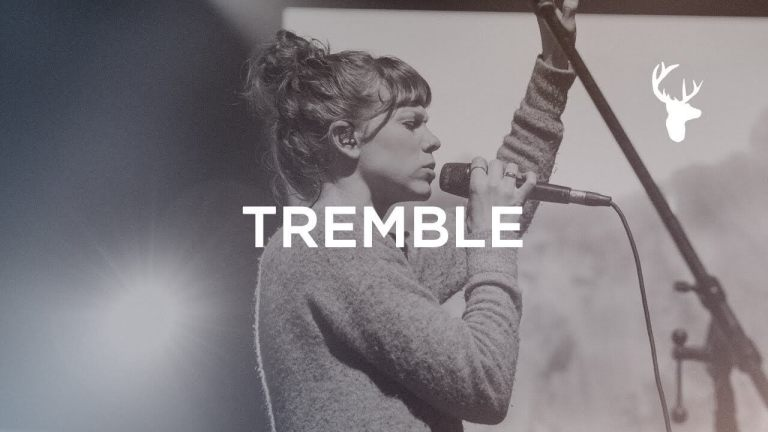 Tremble (Spontaneous) - Steffany Gretzinger - Bethel Music Worship